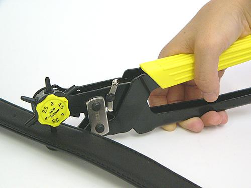 ベルトの穴あけが簡単に出来ます ベルト BAG穴あけ ご予約品 セルフ穴あけ 簡単穴あけ ベルトの穴あけ必需品回転式レザーパンチ6種類の穴があけられます 便利 よりどり10個で送料無料 売れ筋ランキング 2mm~4.5mmBPO-02 サイズ