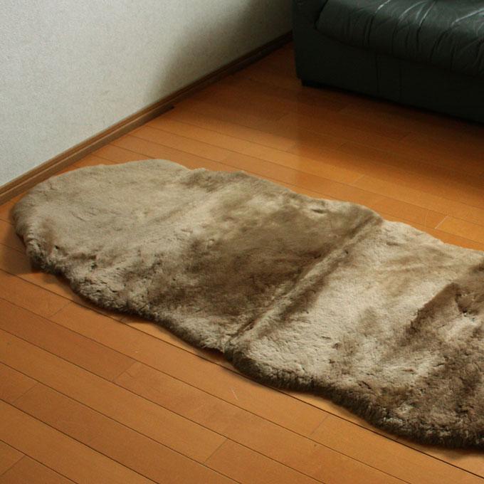[送料無料]ムートンラグ ムートンフリース 短毛 2匹サイズ 約60x180cm ソファ カーシート ラグジュアリー 無地 羊 毛皮