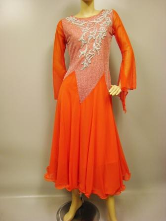 社交ダンスドレス、レース花模様モーチーフが豪華なモダンドレス、袖フレーアーになっています。ステージ衣装として最適では。オレンジ