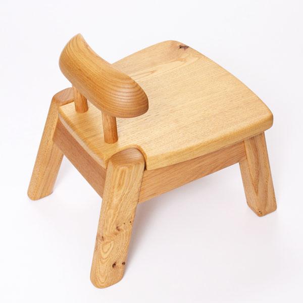 こども イス(栗)大噴火小さい 飛騨 高山 無垢 椅子 日本製 匠の技 木工 職人 熟練 子供用 キッズ コドモ 大人が座っても座り心地が良い! つかまり立ちにも サイズ W280mm×D300mm×H290mm