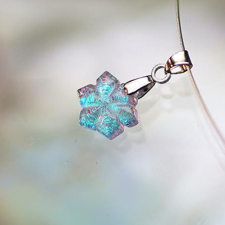 『Snow princess』 ガラスアクセサリー ネックレス・ペンダント ダイカット(平面造形)タイプ