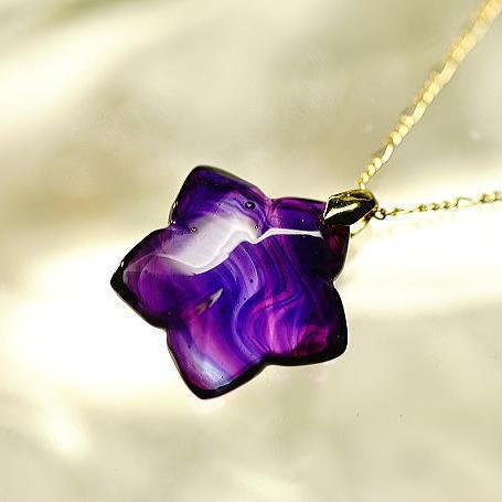 『夕紫に染まる頃』 ガラスアクセサリー ネックレス・ペンダント ダイカット(平面造形)タイプ