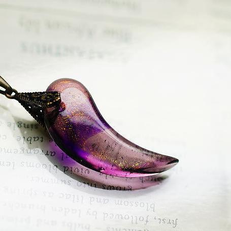 『夢紫』 ガラスアクセサリー ネックレス・ペンダント ダイカット(平面造形)タイプ