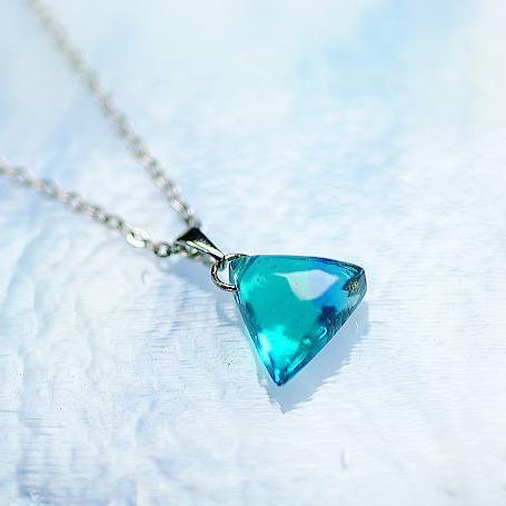 『True Triangle MINI』 ガラスアクセサリー ネックレス・ペンダント 四角・多角・星タイプ