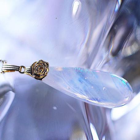 『DIAMOND SNOW DROP』 ガラスアクセサリー ネックレス・ペンダント 円・楕円・ドロップタイプ