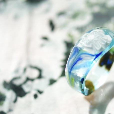 『緑の風の白い花』 ガラスアクセサリー リング・指輪 ノーマルタイプ