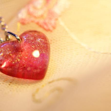 『Innocent heart ~ 純真な心 ~』 ガラスアクセサリー ネックレス・ペンダント ハートタイプ