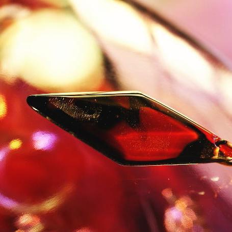 『赤と黒のボレロ』 ガラスアクセサリー ネックレス・ペンダント 四角・多角・星タイプ