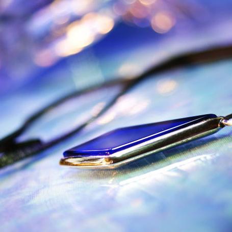 『Polished Blue』 ガラスアクセサリー ネックレス・ペンダント 四角・多角・星タイプ