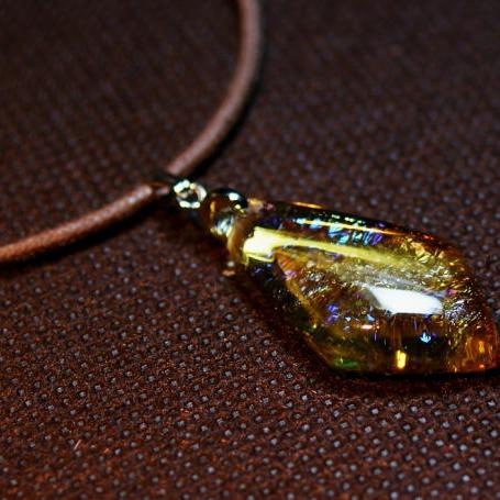 『Amber Diamond』 ガラスアクセサリー ネックレス・ペンダント 四角・多角・星タイプ