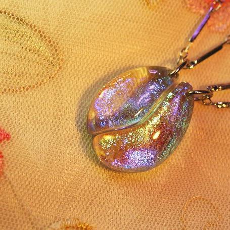 『めぐり会ったその日に』 ガラスアクセサリー ネックレス・ペンダント 円・楕円・ドロップタイプ