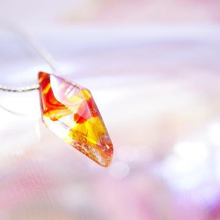 『ENERGY DIAMOND』 ガラスアクセサリー ネックレス・ペンダント 四角・多角・星タイプ