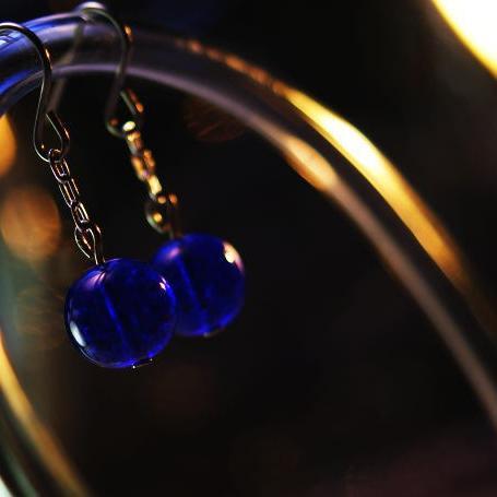 『青い木の実』 ガラスアクセサリー ピアス・イヤリング