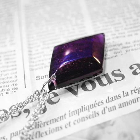 『紫光 ~ Grande Violet ~』 ガラスアクセサリー ネックレス・ペンダント 四角・多角・星タイプ