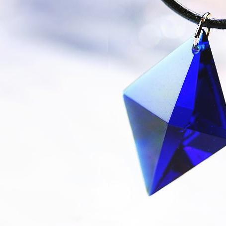 『Dreamblue ~ Royal ~』 ガラスアクセサリー ネックレス・ペンダント 立体造形タイプ