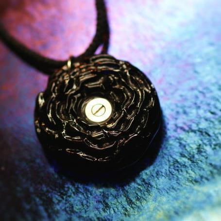 『かんたん封入ペンダント / Black Rose』 ガラスアクセサリー ネックレス・ペンダント 立体造形タイプ