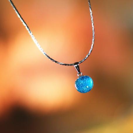 『青の湖』 ガラスアクセサリー ネックレス・ペンダント 立体造形タイプ