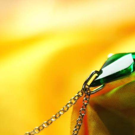 『Icy emerald』 ガラスアクセサリー ネックレス・ペンダント 立体造形タイプ