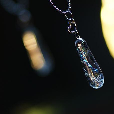 『Jewel rain』 ガラスアクセサリー ネックレス・ペンダント しずくタイプ