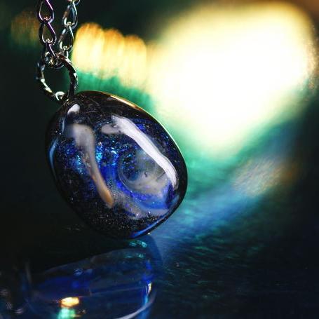 『Galaxy ~ Mystic drop ~』 ガラスアクセサリー ネックレス・ペンダント 円・楕円・ドロップタイプ