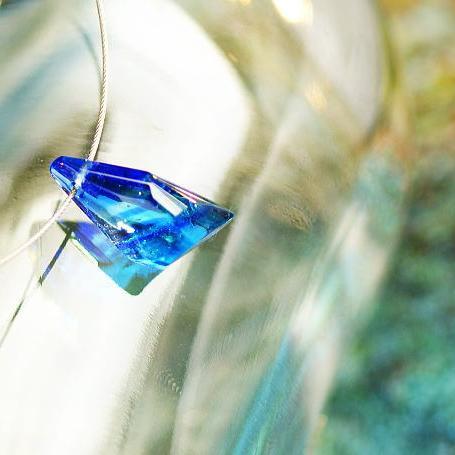 『漣のかけら』 ガラスアクセサリー ネックレス・ペンダント 立体造形タイプ