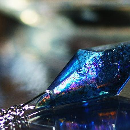 『Dreamblue ~ Resonance macrocosm ~』 ガラスアクセサリー ネックレス・ペンダント 立体造形タイプ