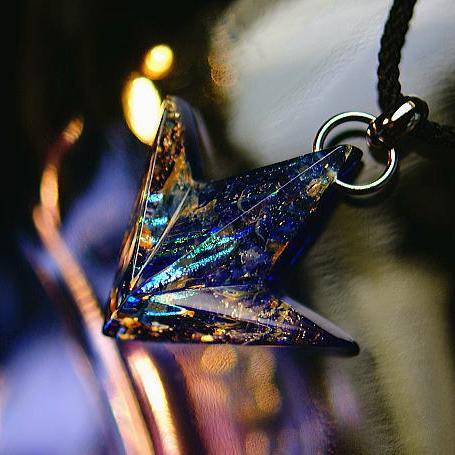 『Arrow mystic cosmic ~ 流星群 ~』 ガラスアクセサリー ネックレス・ペンダント 立体造形タイプ