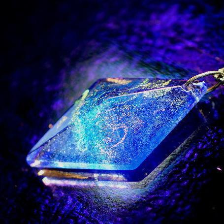 『Pure dream ~ 青き虹色の夢 ~』 ガラスアクセサリー ネックレス・ペンダント 立体造形タイプ