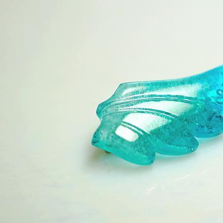 『希望を乗せて』 ガラスアクセサリー ブローチ