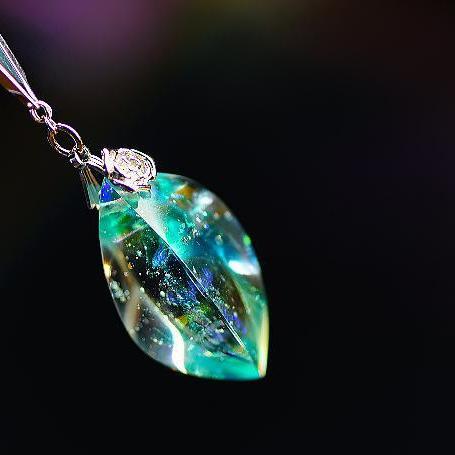 『湧水の薔薇』 ガラスアクセサリー ネックレス・ペンダント 立体造形タイプ