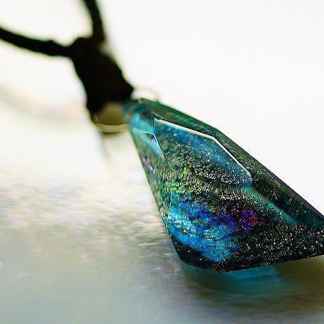 『彩雲』 ガラスアクセサリー ネックレス・ペンダント 立体造形タイプ