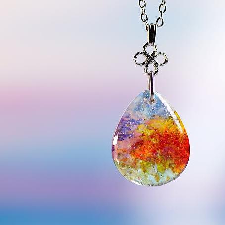 『陽だまりの中で ~ 桃源郷 ~』 ガラスアクセサリー ネックレス・ペンダント 円・楕円・ドロップタイプ