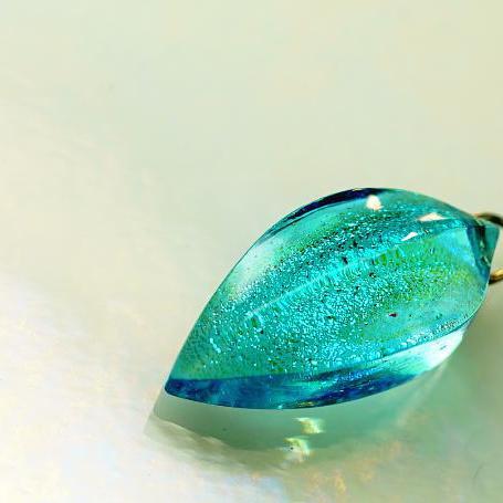 『美ら海berry』 ガラスアクセサリー ネックレス・ペンダント 立体造形タイプ