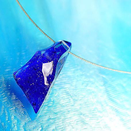 『BLUE ROCK ICE』 ガラスアクセサリー ネックレス・ペンダント 立体造形タイプ