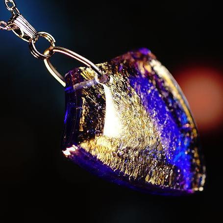 『Knight emblem』 ガラスアクセサリー ネックレス・ペンダント ダイカット(平面造形)タイプ