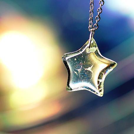 『草原の一番星』 ガラスアクセサリー ネックレス・ペンダント 四角・多角・星タイプ
