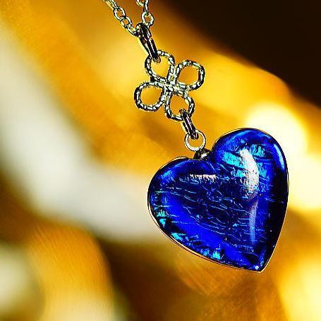 『カリブの海の恋』 ガラスアクセサリー ネックレス・ペンダント ハートタイプ