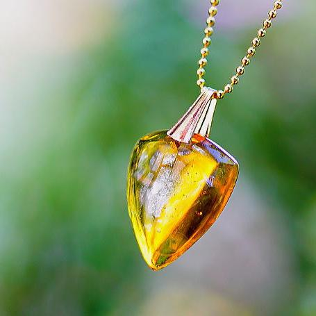 『Egyptian treasure emblem』 ガラスアクセサリー ネックレス・ペンダント 四角・多角・星タイプ