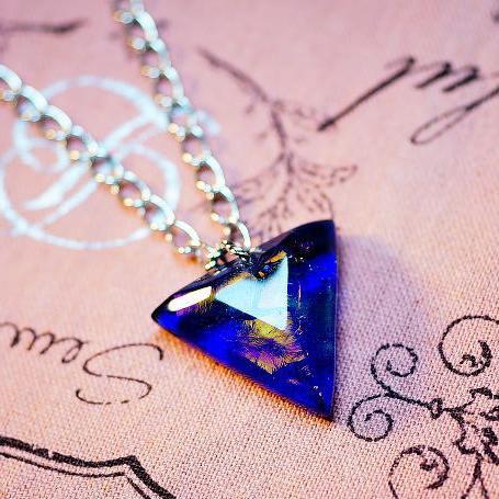 『True Triangle』 ガラスアクセサリー ネックレス・ペンダント 四角・多角・星タイプ