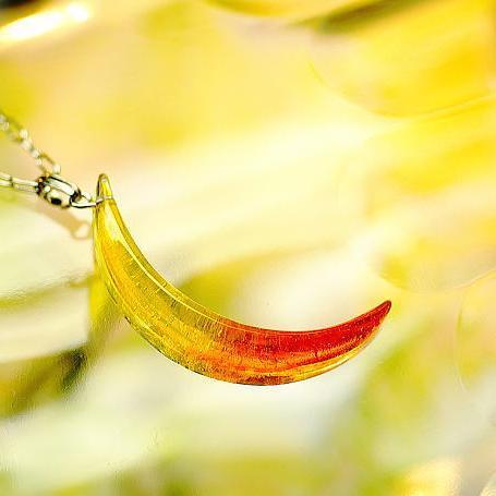 『セレーネの恋 ~ Fruity ~』 ガラスアクセサリー ネックレス・ペンダント ダイカット(平面造形)タイプ