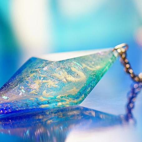 『Dreamblue ~ 水と氷のデュエット ~』 ガラスアクセサリー ネックレス・ペンダント 立体造形タイプ