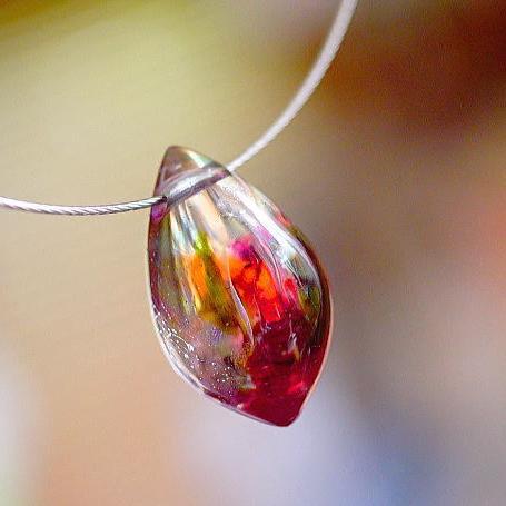 『氷の薔薇 ~ Colorful ~』 ガラスアクセサリー ネックレス・ペンダント しずくタイプ