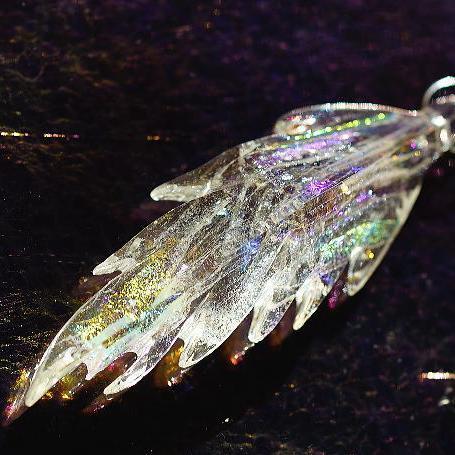 『Pure dream wing』 ガラスアクセサリー ネックレス・ペンダント 羽根タイプ
