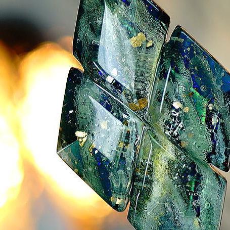 『氷樹の森』 ガラスアクセサリー ネックレス・ペンダント 四角・多角・星タイプ
