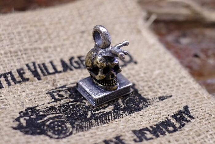 送料無料!LITTLE VILLAGE&CO.(リトルヴィレッジアンドコー)【Snail&Skull&Book Pendant】スネイル&スカル&ブックペンダントネックレストップ シルバー925×ブラス製MADE IN JAPAN