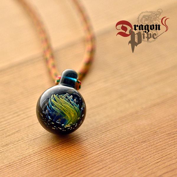 DragonPipe×Nakota (ドラゴンパイプ×ナコタ) 宇宙 フレア ガラス ネックレス蕾が花開く瞬間をとらえたような美しいガラスのネックレス
