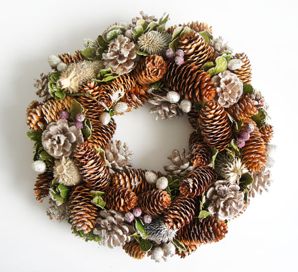 glitter lease pine cones and christmas wreath l large - Large Christmas Wreath