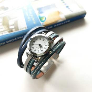 フランスのおしゃれアイテム ブレスウォッチ おしゃれウォッチ ブレス時計 ブレスレット 革 フランス製 大人かわいい アクセサリー プレゼント ギフト お誕生日 カジュアル 時計