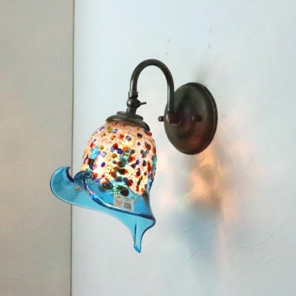 ベネチアングラスランプ LED対応 照明 ブラケットランプ ブラケットライト ウォールランプ 安全 fc-w004-fantasy-calla-lightblue 壁付けライト 上質 壁掛け照明 イタリア製 ウォールライト