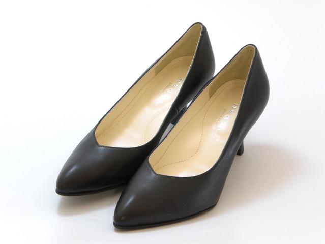 送料無料 沖縄 離島は1100円かかります REGAL 公式サイト リーガルポインテッドトゥ 新品未使用正規品 プレーンパンプス レディース シューズ ブラック 靴